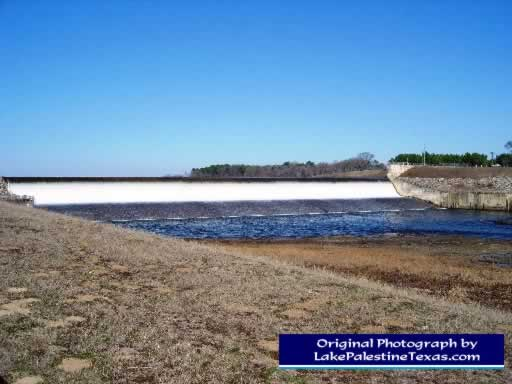 Blackburn Crossing Dam on Lake Palestine - 02/04/2007
